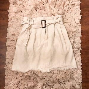 Cute cream colored skirt!